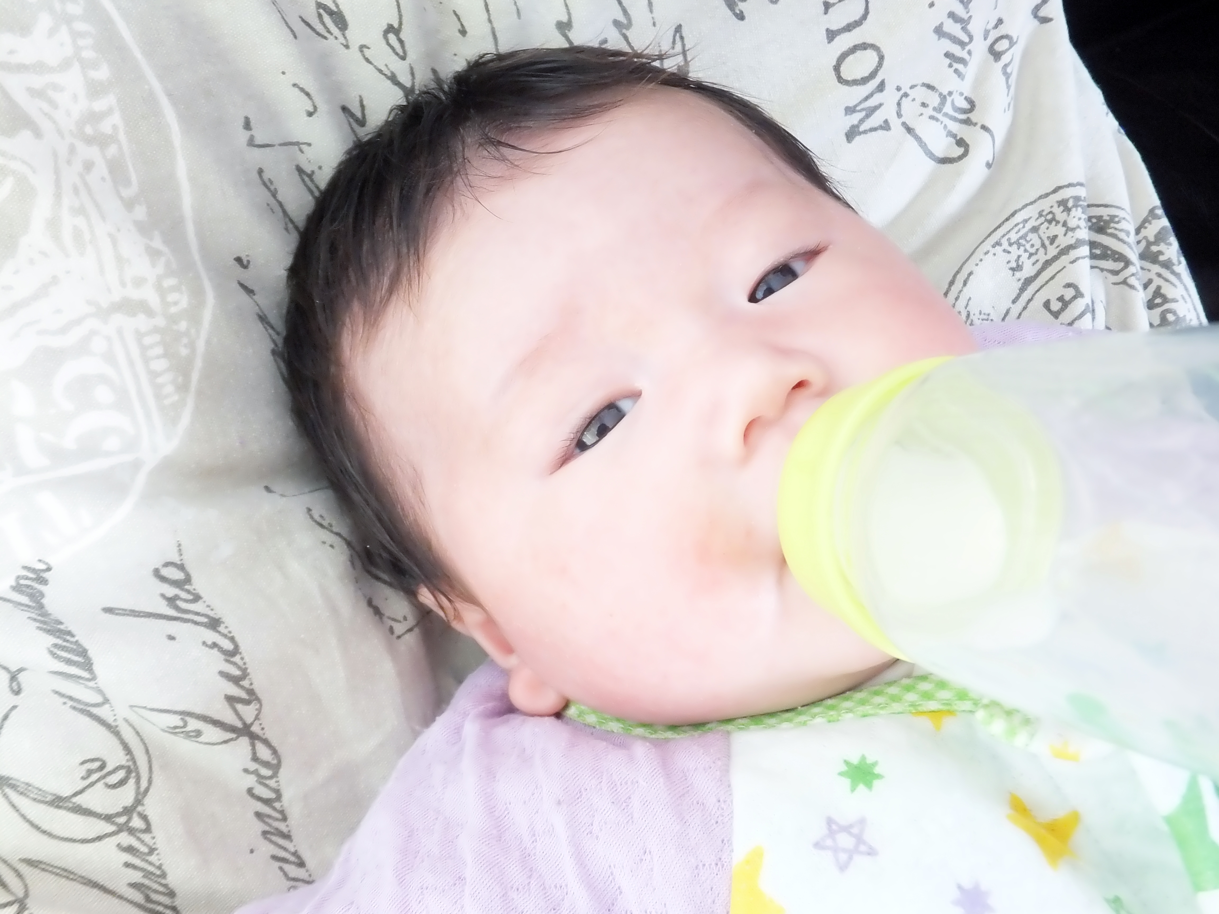 赤ちゃんの卒乳はいつがベスト?実践!無理ない進め方と方法|母乳編
