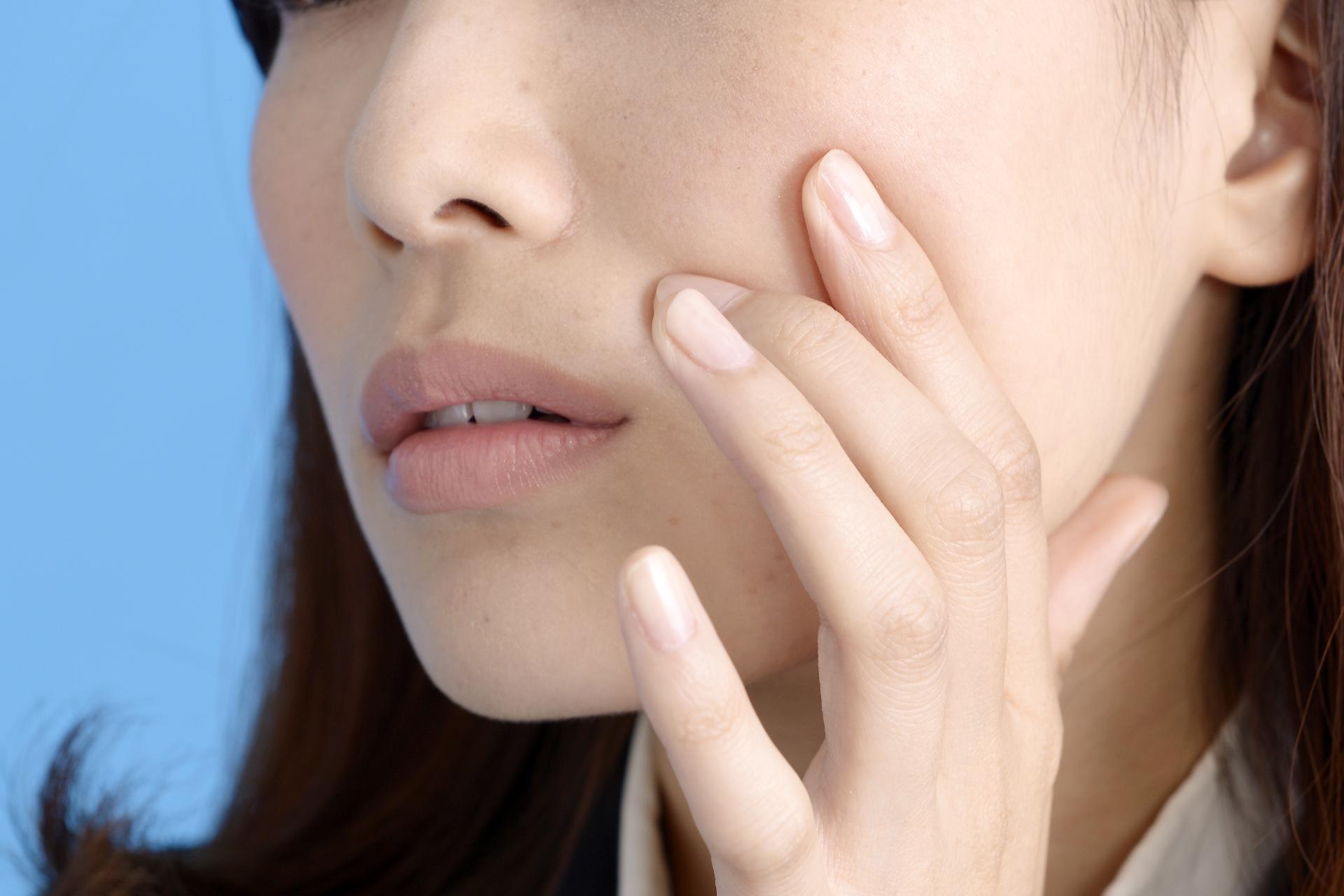 妊娠中の肌荒れ対策!赤みやかゆみの原因は?敏感肌おすすめファンデ