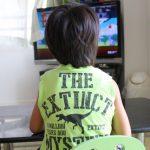 子供がテレビばかり見すぎ?!影響は?テレビとの距離や時間は?