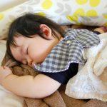 子供が寝相悪い!ベッドでの対策はクッション?いつまで続くの?