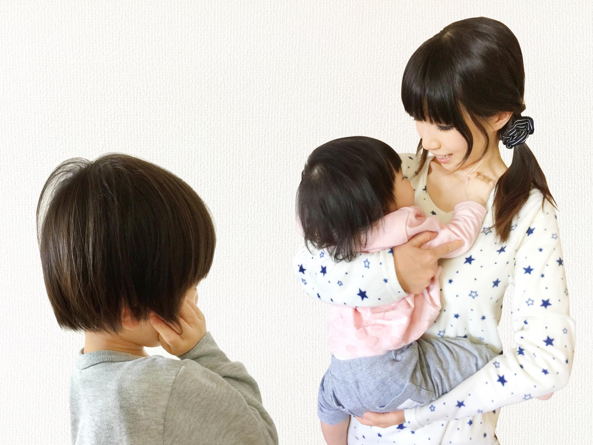 上の子可愛くない症候群はいつまで?二人目出産後の対処法&乗り越えたママ達の体験談