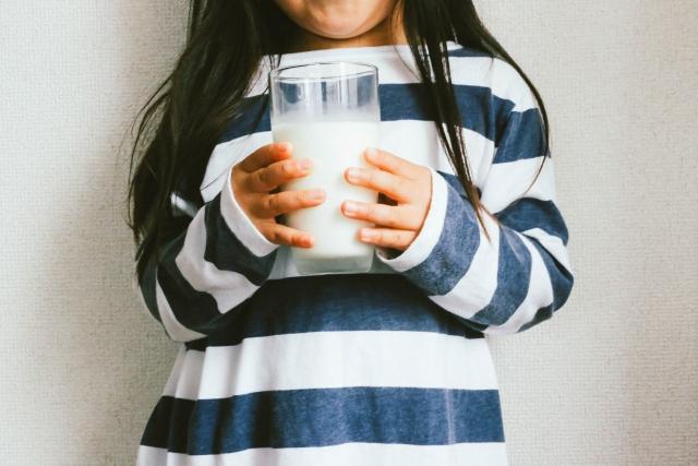 子供の成長にはカルシウム!摂取量は?おすすめサプリやレシピをご紹介