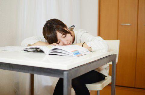 暖房が心地よくて眠くなってしまう・・・その原因と簡単に出来る対策方法をご紹介!