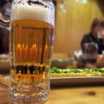 一人飲みは女性におすすめ?居酒屋やバーでひとりデビューの方法!