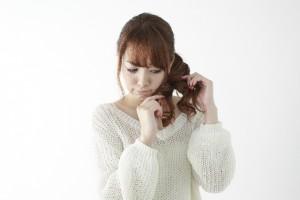 髪の痛みの原因