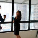 同僚と恋愛するには?きっかけやおすすめのアプローチ、発展方法は?
