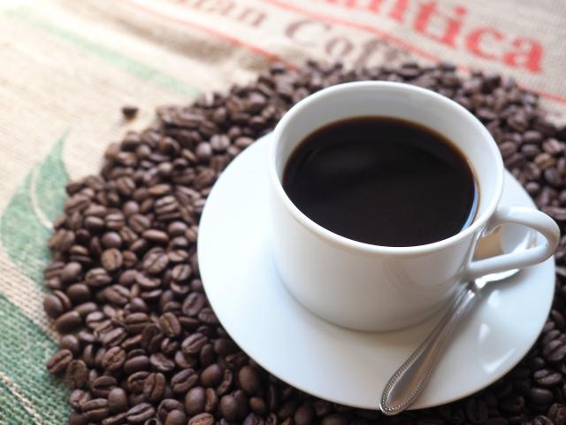 カフェインの効能時間は?副作用もある?コーヒー紅茶や緑茶の効果とは