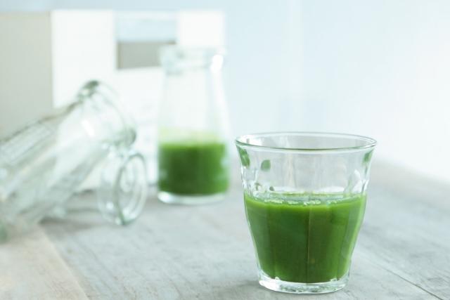 野菜不足解消おすすめ5選!青汁VSスムージー!簡単な方法はどっち?