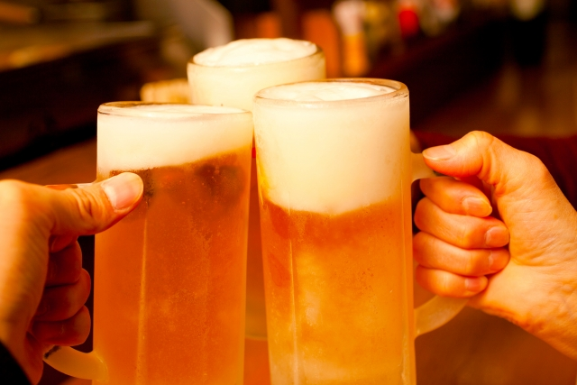 二日酔いを改善する方法教えて!噂の食べ物、飲み物の本当の効果は?