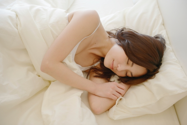 テアニンの睡眠効果のメカニズムは?質が良くなる?副作用ある?