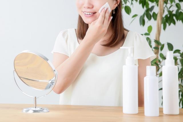 美白のおすすめは美容液?化粧水やクリーム、パックも必要なの?