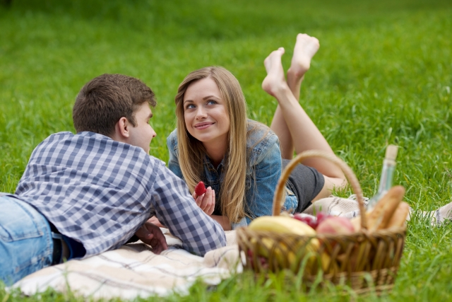 初夏のデートはピクニックでお弁当!おすすめ東京のスポットや服装は